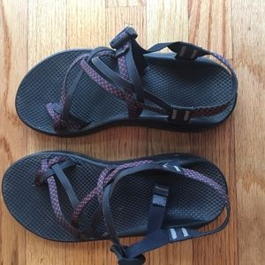 Mens size 10 chacos